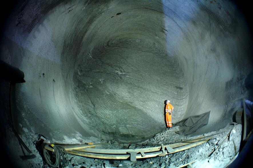 Längster Eisenbahntunnel Der Welt Wird Eingeweiht Ingenieurde