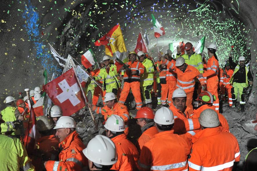 Längster Eisenbahntunnel der Welt wird eingeweiht