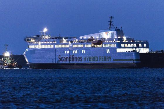 """Die Hybridfähre der Reederei Scandlines. Sie wurde auf den Namen """"Berlin"""" getauft."""
