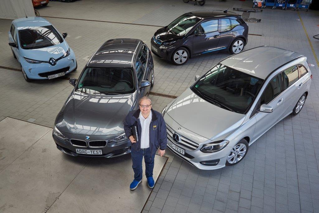 Vier Fahrzeugmodelle von Renault, Mercedes und BMW hat ADAC-Projektleiter Arnulf Thiemel unter die Lupe genommen.