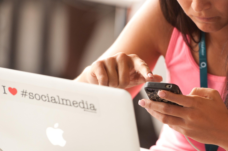 Verbraucherschützer empfehlen Smartphone-Nutzern, sich von ihrem Provider eine Drittanbietersperre einrichten zu lassen.