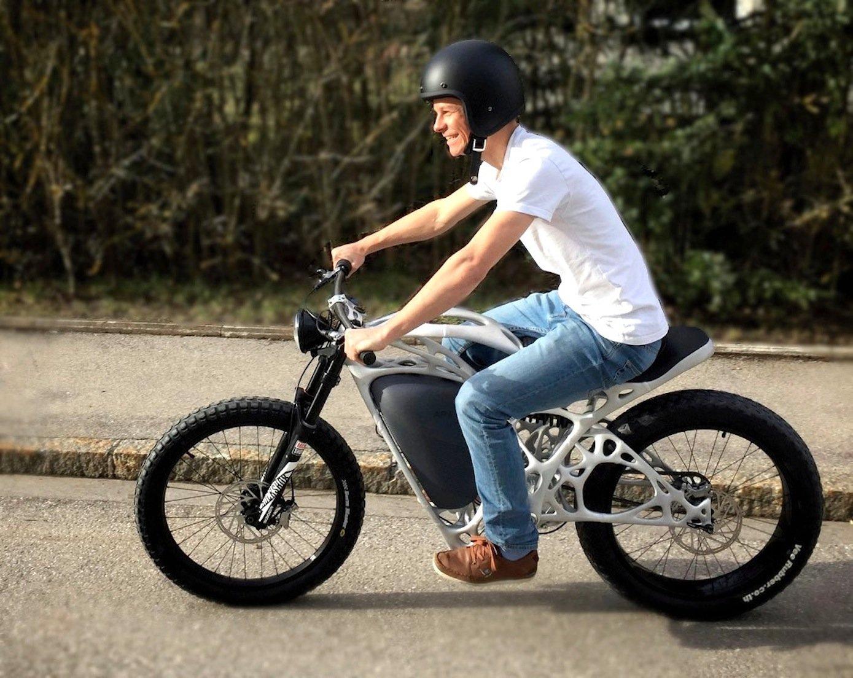 Das Elektrobike ist 80 km/h schnell und wird demnächst in einer Kleinserie hergestellt. Stückpreis: 50.000 Euro netto.