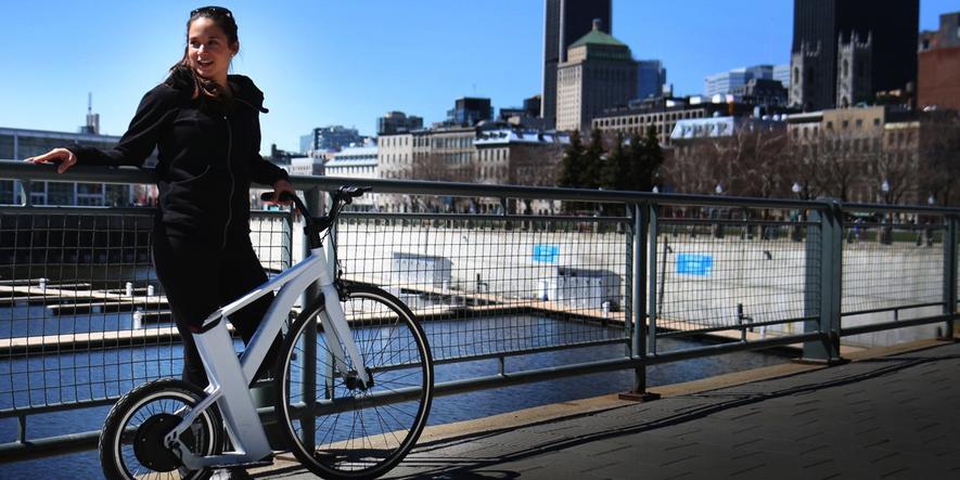 32 km/h: Auf dem Hochrad stehend durch die Stadt düsen