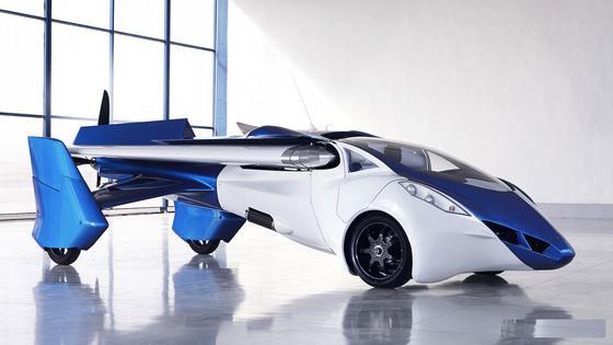Das Aeromobil, eine Mischung aus Auto und Flugzeug, ist wirklich schon geflogen und gefahren. Auch Google-Mitgründer Larry Page ist von der Idee des fliegenden Autos überzeugt und hat 100 Millionen Dollar in ein Start-up investiert.