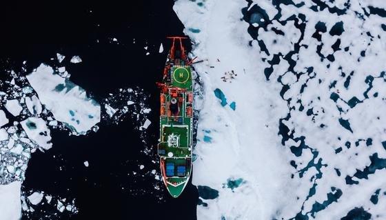 Polarstern in der Arktis: Das AWI-Forschungsschiff wird diesmal neue Technik mit ins Eis bringen.