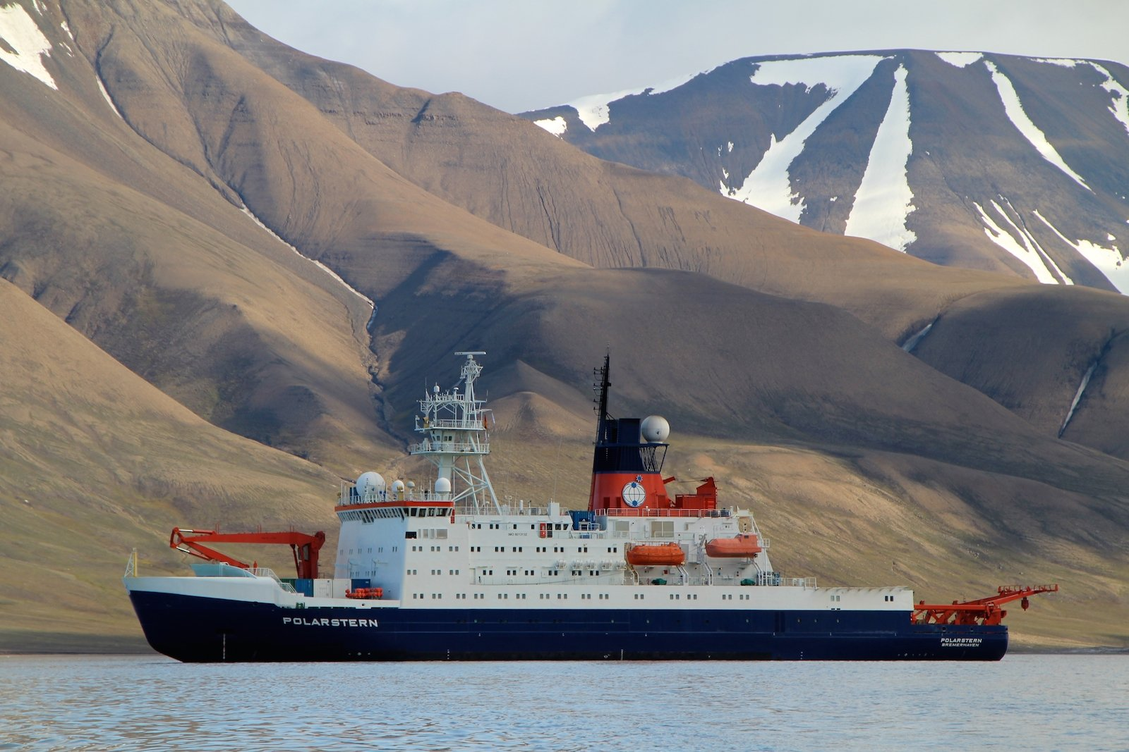 Das Forschungsschiff Polarstern ist im Sommer meistens in der Arktis unterwegs.
