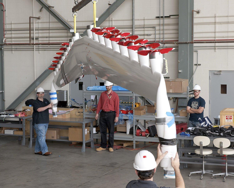 Entwicklung des Elektroantriebs des Flugzeuge X-57 der Nasa:Anders als Turbinen lassen sich die Elektropropeller nahezu überall am Flügel montieren.