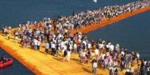 Wie Christo-Anhänger übers Wasser gehen