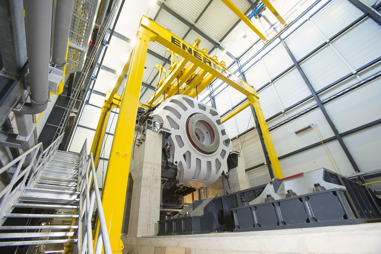 Auf dem IWES-Teststand in Bremerhaven wird derzeit der Generator für die größte Windkraftanlage der Welt getestet.