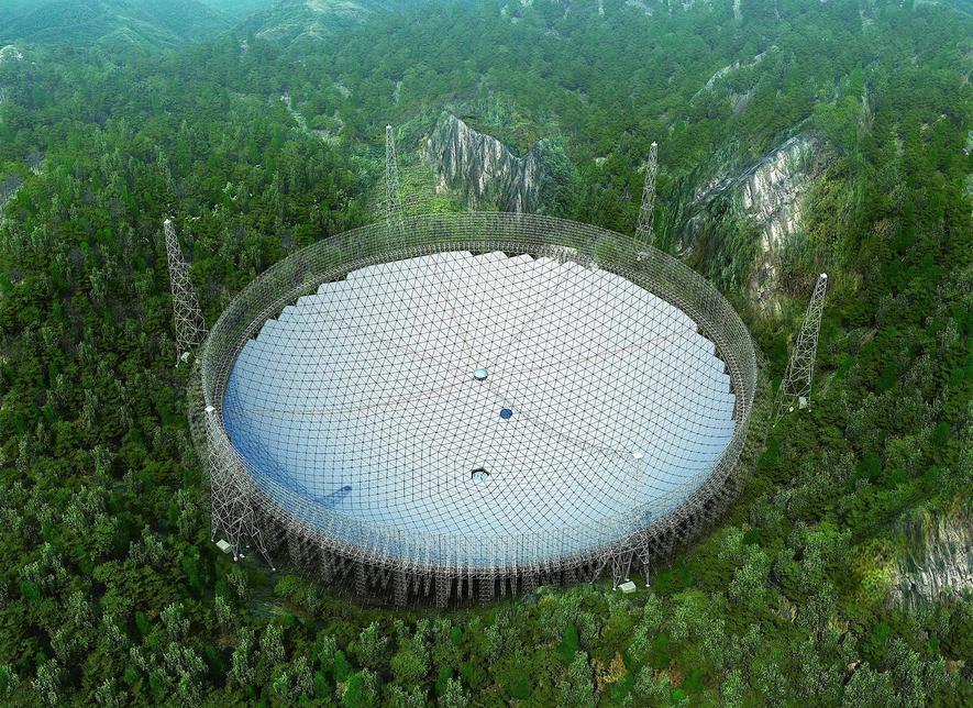 Chinesen wollen Aliens mit 500 m breiter Schüssel aufspüren