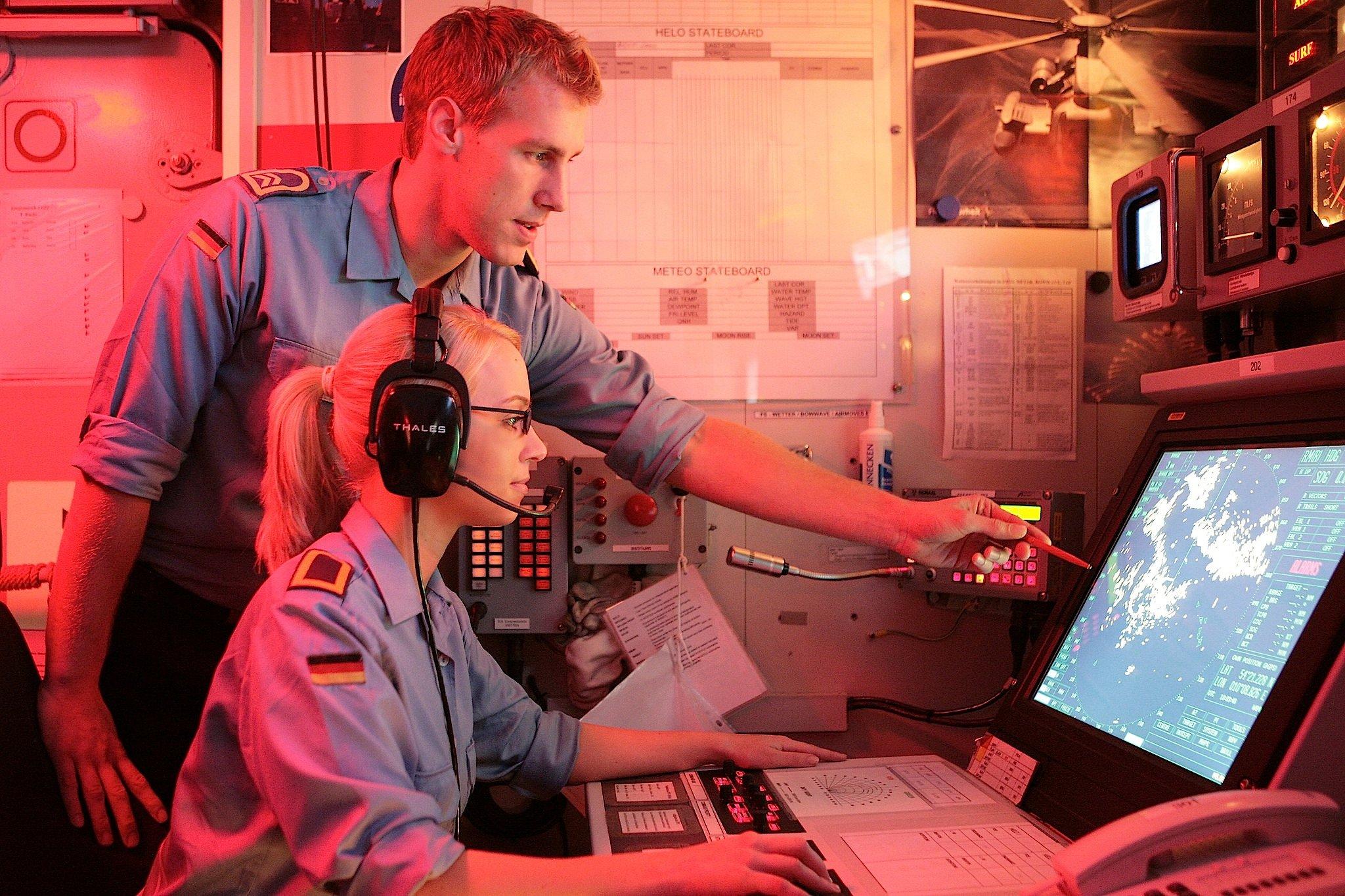 Soldaten in der Operationszentrale der Bundeswehr in Frankfurt: Der Bundesrechnungshof hat festgestellt, das Teile des Datennetzes der Bundeswehr nur schlecht geschützt sind.
