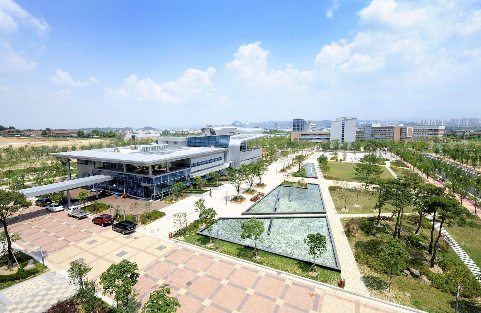 Das GIST-Institut in Südkorea beschäftigt sich besonders mit flexiblen Solarzellen, die auch für medizinische Zwecke eingesetzt werden.