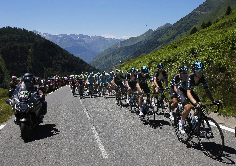Schon während der Fahrt werden die Räder bei der Tour de France mit Wärmebildkameras erfasst, um versteckten Motoren auf die Schliche zu kommen.