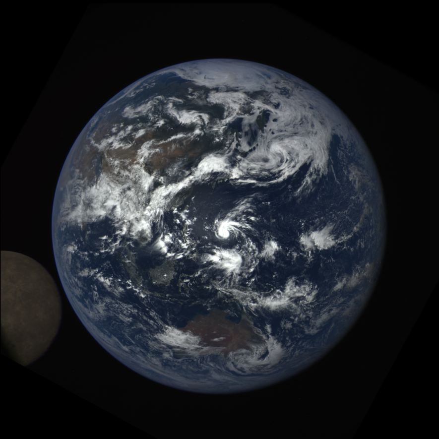 Erwischt: Nasa-Kamera fotografiert den Mond von hinten