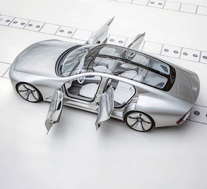 Mercedes Concept IAA mit vier Türen, vier Sitzen und Glasdach: 2018 soll eine Elektrolimousine von Mercedes auf den Markt kommen, die gegen den Tesla S antreten soll.