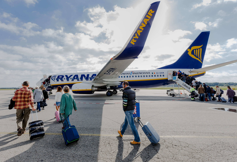 Schon vor dem Abflug sollen künftigalle Passagierdaten an die Behörden des Ziellandes elektronisch übermittelt werden, wünscht Großbritannien.