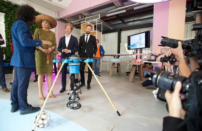 In ihrer neuen Heimat, den Niederlanden, präsentierten die Brüder ihre Drohne bereits Königin Maxima.