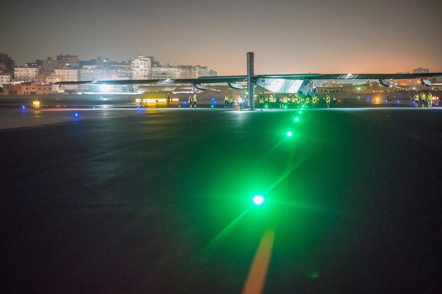 Solar Impulse im Anflug zum letzten Ziel ihrer Weltumrundung