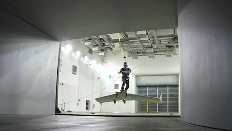 Das WingBoard im Auto-Windkanal der Universität von Ontario: Diese Tests hat das Gerät für Extremsportler schon mal bestanden.
