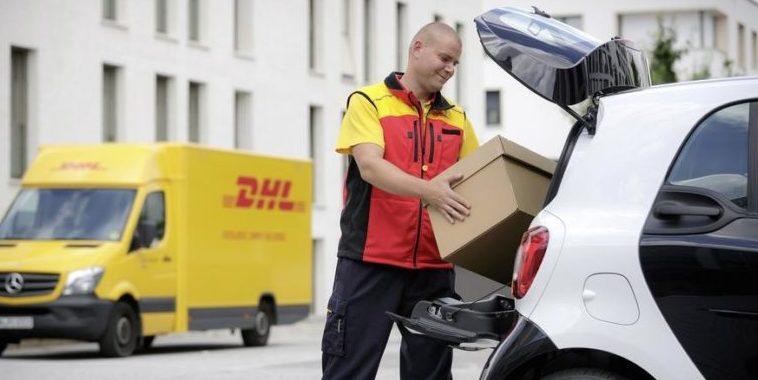Die Post legt Pakete jetzt sogar in den Kofferraum