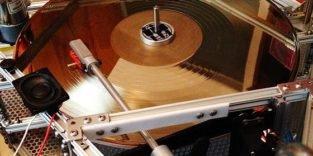 Eine goldene Schallplatte erklingt am Wochenende im All