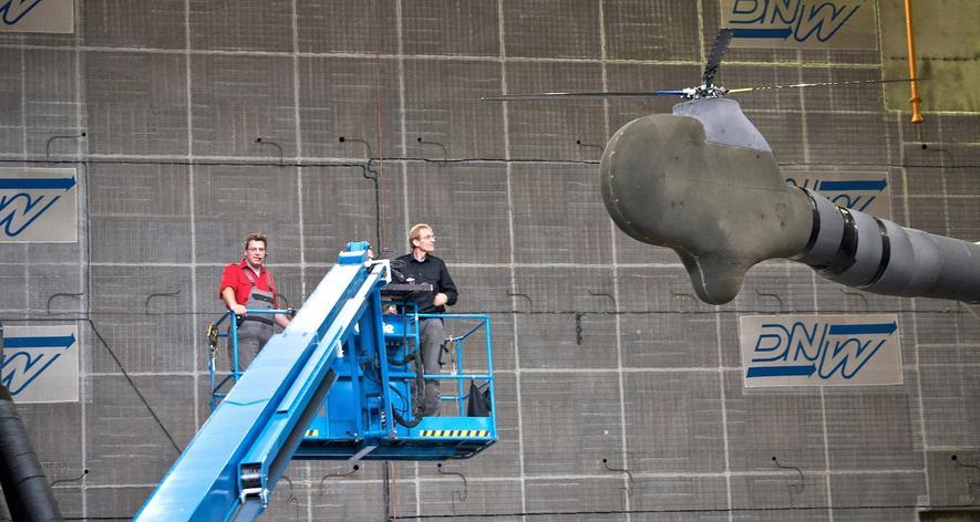 Das DLR hat zwei verschiedene Hubschrauberantriebe getestet: Durch den Einbau einer zweiten Taumelscheibe konnten die Ingenieure die Lärmbelastung um bis zu 40 Prozent senken.
