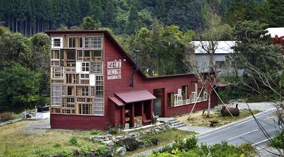 Für den Bau des Kamikatz Public House wurden nur recycelte Materialien verwendet.