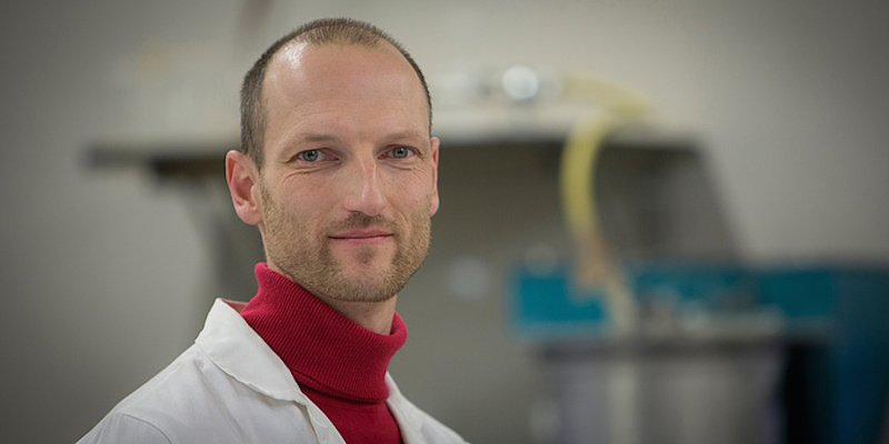 Joachim Juhart leitet die Arbeitsgruppe BetonchtechPlus am Institut für Materialprüfung und Baustofftechnologie. Der Diplom-Ingenieur will die Umweltbilanz von Beton nachhaltig verbessern.
