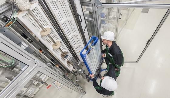 Strömungsrohrreaktor:Das Fraunhofer-Zentrum für Chemisch-Biotechnologische Prozesse CBP in Leuna stellt in Kürze biobasierte Zusatzstoffe für Benzin her.