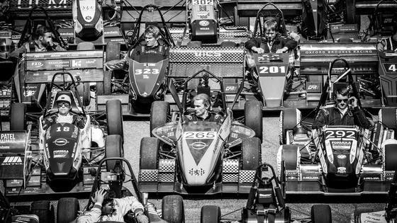 Startaufstellung bei der Formula Student:Mehr als 3.000 Studierende in 113 Teams aus 25 Ländern gingen bei den Rennen auf dem Hockenheimring an den Start.