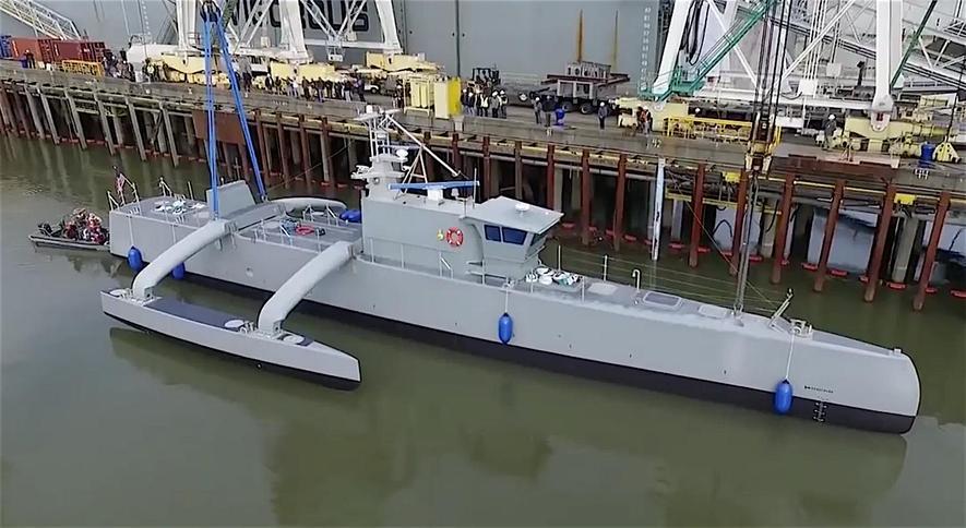 Zählt auch zu den jüngsten Darpa-Entwicklungen: das Roboter-Schiff Actuv.Es kann autonom feindliche U-Boote jagen.