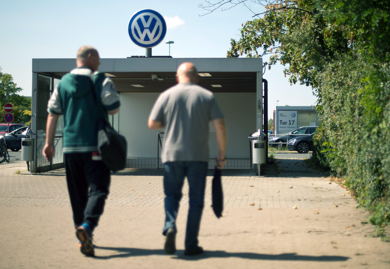 Feierabend am Montagmorgen: Seit der Frühschicht steht die Produktion des Golf in Wolfsburg still. Der Produktionsstopp dauert die ganze Woche.