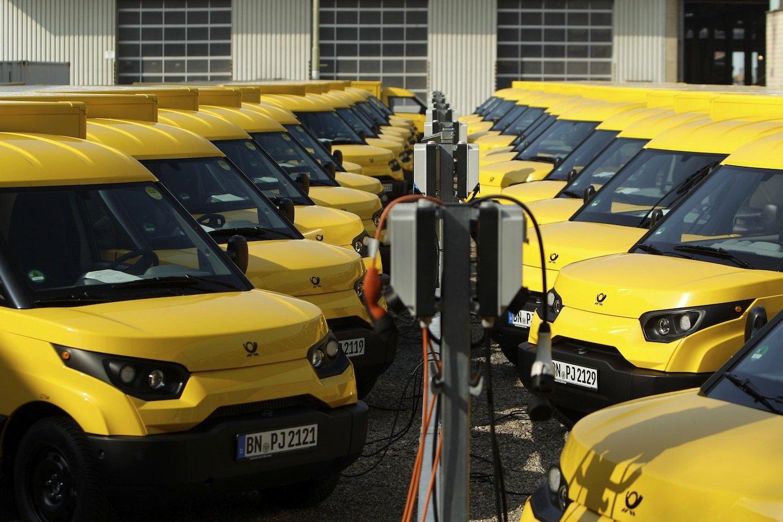 Der Elektrotransporter hat eine Reichweite von bis zu 80 km und kann auch an normalen Steckdosen aufgeladen werden.