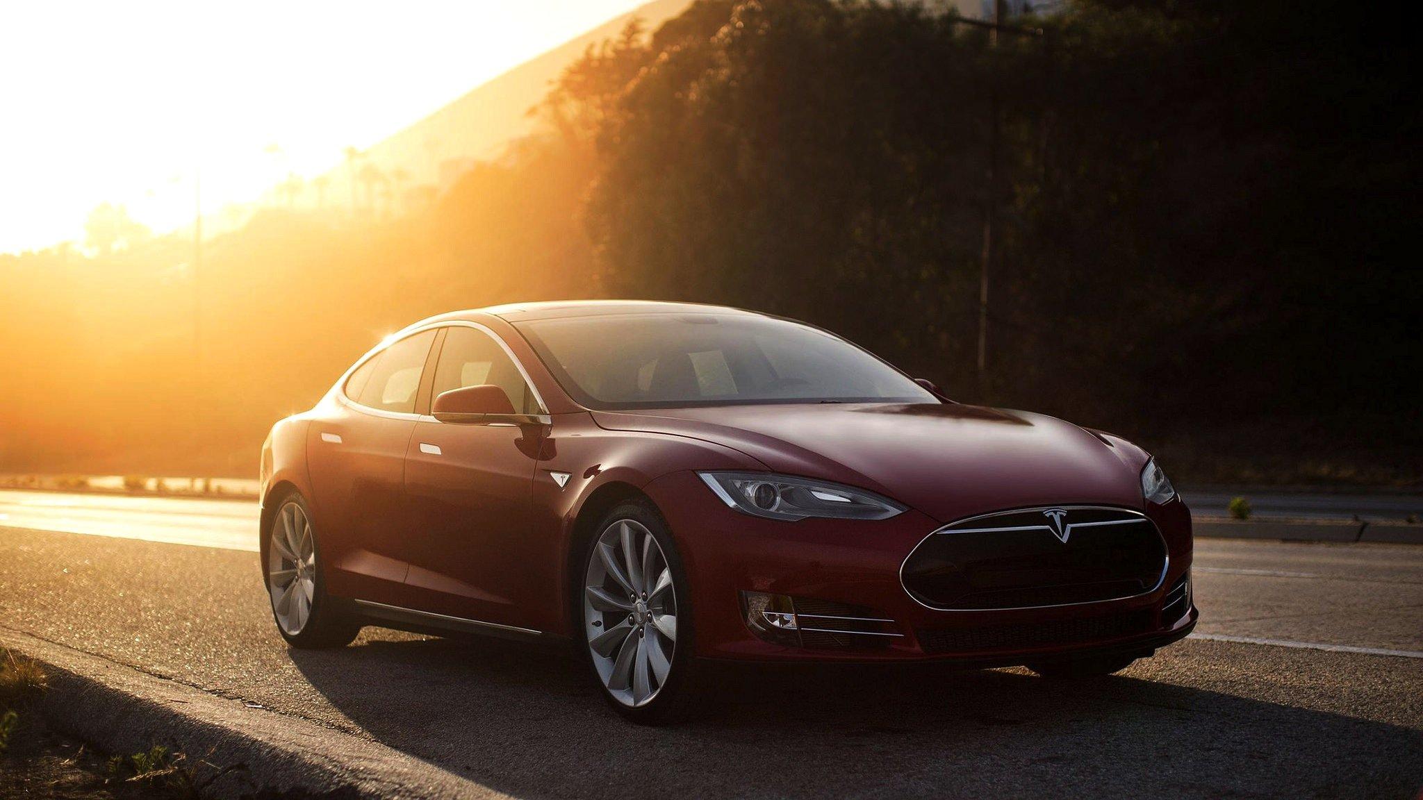 Mit der neuen Batterie beschleunigt das Model S in nur 2,5 Sekunden von 0 auf 100 km/h.