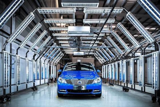 Der neue Denza 400 von Mercedes in China schafft 400 km Reichweite. Das ist doppelt so viel wie die elektrische B-Klasse in Deutschland, die die Basis für den Denza lieferte.