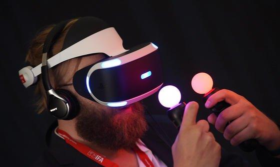 Auch Virtual Reality Brillen werden auf der IFA 2016 Thema sein. Mit einem Ordervolumen von zuletzt über 4,35 Milliarden € ist die Messe die wichtigste Plattform für Industrie und Handel.