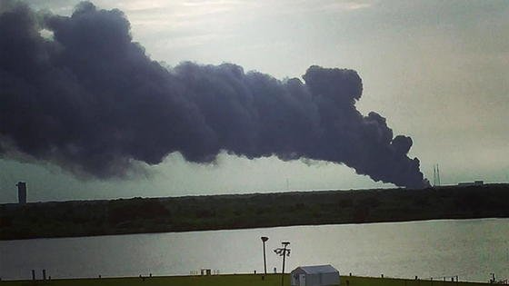Bei einem Test explodierte am 1. September eine Falcon-9-Rakete von SpaceX. Sie sollte am 3. September einen Satelliten von Facebook ins All bringen. Er war schon an Bord und wurde ebenfalls zerstört.
