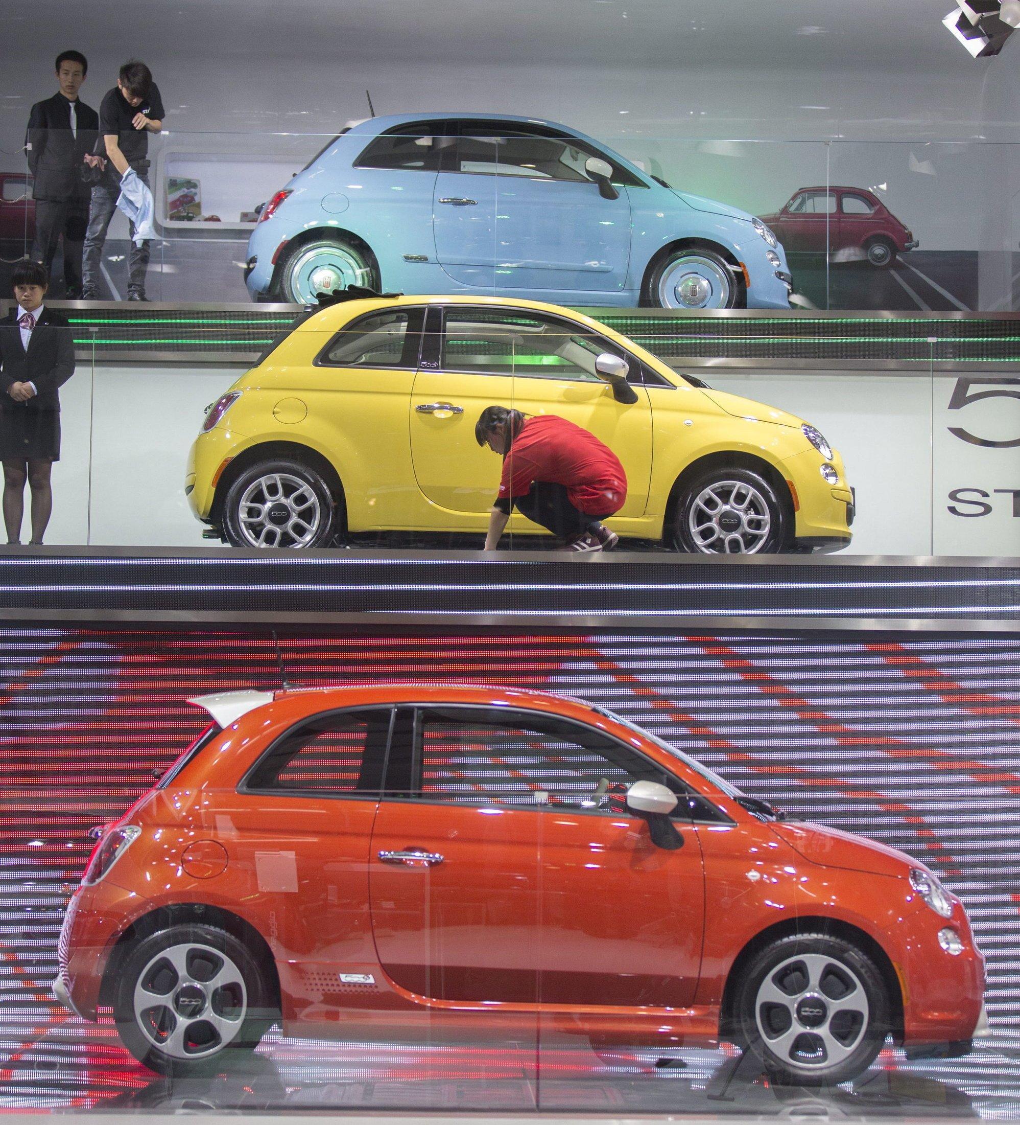 Fiat 500 auf der Automesse in Peking: Bislang hat sich Fiat zu den Vorwürfen nicht geäußert, dass die Abgasreinigung in Fiat-Modellen generell nach 22 min abgeschaltet wird.