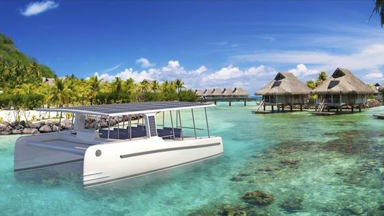 Ein Dach voller Sonnenkollektoren: Die Soelcat 12 ist für den Ökotourismus gebaut.