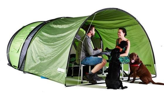 Das Pop-up-Zelt Cinch!: Mit dem optional zu erwerbenden Vordach erhöht sich die Nutzfläche ganz enorm.