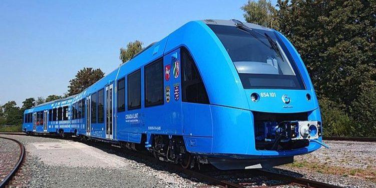 Der erste Wasserstoffzug mit Brennstoffzelle rollt an