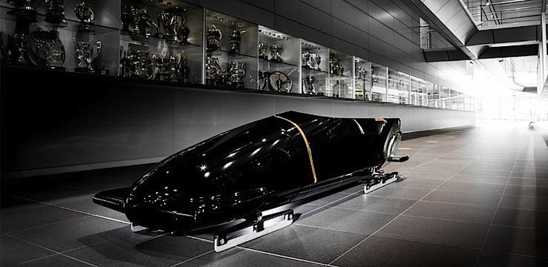 McLaren ist auch im Sport aktiv. So lieferte McLaren Sensoren für die Fahrräder der britischen Olympia-Teilnehmer in London und wirkte auch an der Entwicklung des britischen Bobs mit.