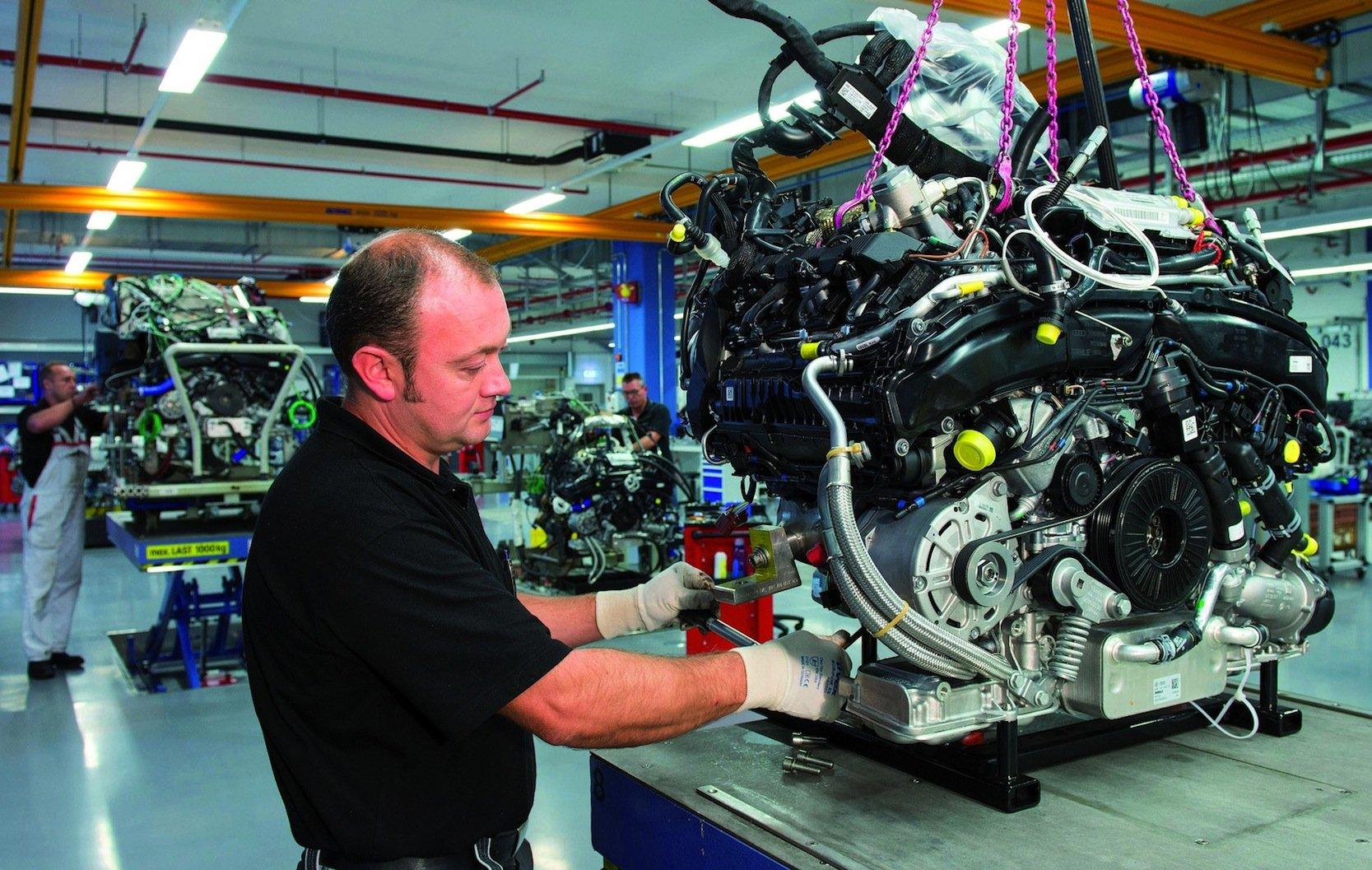 Audi-Motor im Werk Neckarsulm: Der3.0-l-TDI-Dieselmotor in den USA verfügt über eine Manipulationssoftware, die eigens von Audi entwickelt worden sein soll.