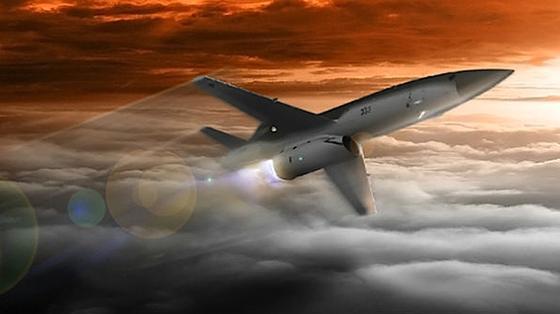 Die USA wollen künftig mit relativ kleinen Drohnen – Spannweite maximal drei Meter – in Schwärmen Kriegsgebiete kontrollieren und angreifen. Diese Drohnen dürfen höchstens drei Millionen US-Dollar kosten. Den Entwicklungsauftrag hat vor kurzem Kratos erhalten.
