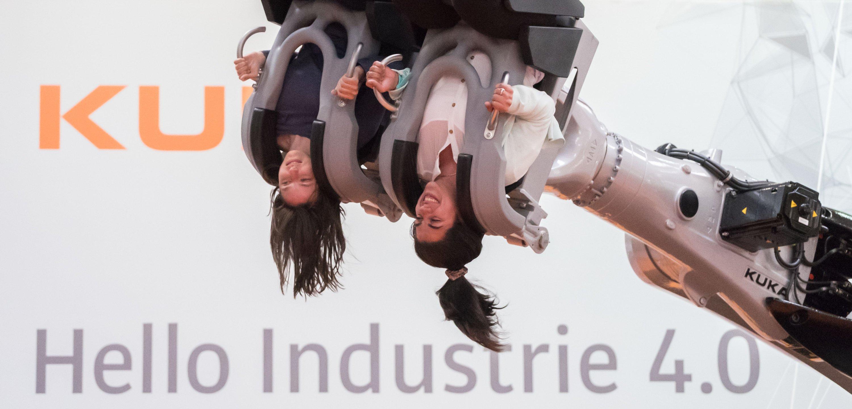 Führender Absatzmarkt bei den Industrierobotern ist China, wo im vergangenen Jahr 68.600 Einheiten verkauft worden sind.