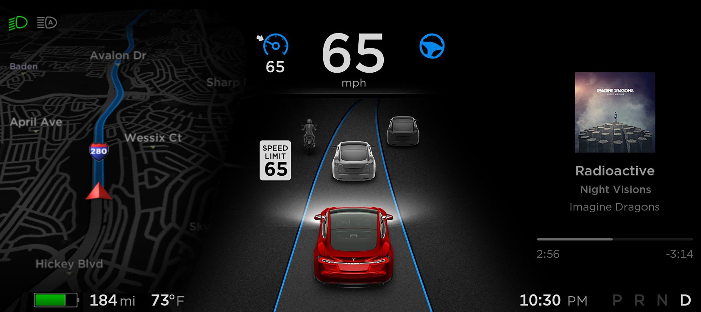 Der Autopilot im Tesla ist allenfalls ein Assistenzsystem, das zum Beispiel den Abstand zum Vordermann halten kann.