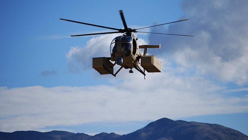 Der unbemannte Boeing-Helikopter H-6U ist eine Variante des AH-6i, der mit Pilot geflogen wird.