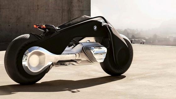 Mehr als ein Blickfang: DasVision Next 100 von BMW zeigt, wie sich BMW die Zukunft des Motorrades vorstellt.