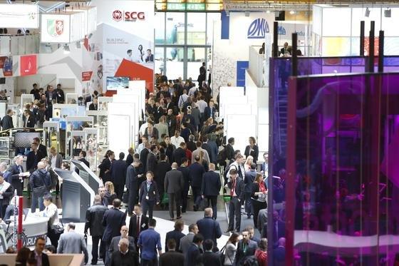 Gestern wurde in Düsseldorf die K eröffnet. Die weltgrößte Kunststoff-Messe erwartet 200.000 Besucher.