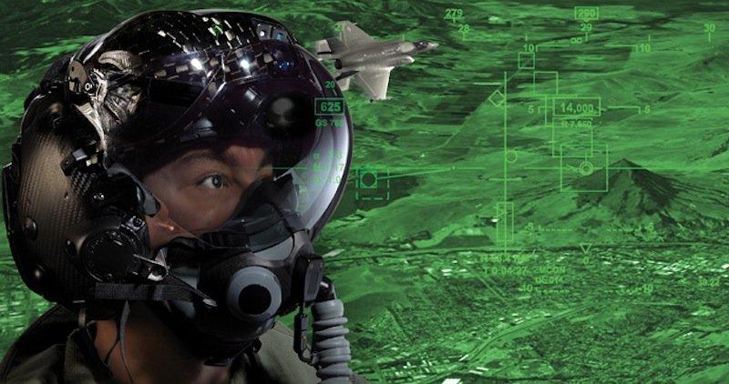 Sechs Video-Kameras beobachten während des Fluges alle wichtigen Elemente der Maschine. Diese Bilder kann der Pilot jederzeit auf seinem Helm-Display sehen.